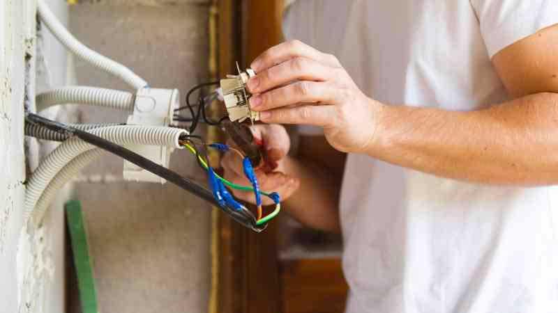 électricien à Vallet